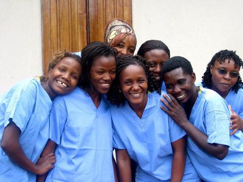 Shanti-uganda-midwives1